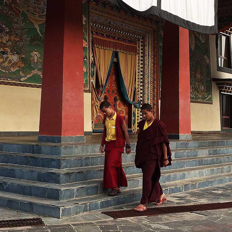 Neydo monastere moines Népal - Apogée Voyages