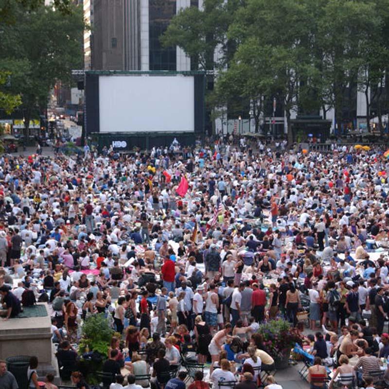 Cinéma ggratuit Bryant Park - NYC - Apogée Voyages