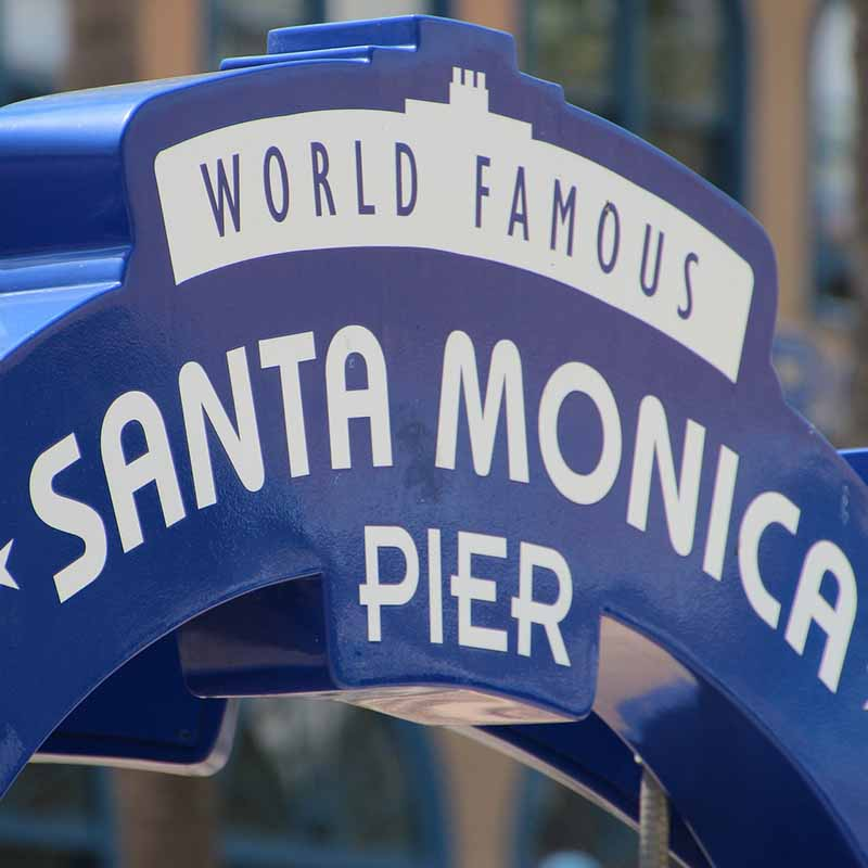 usa santa monica twilight on the pier - apogée voyages